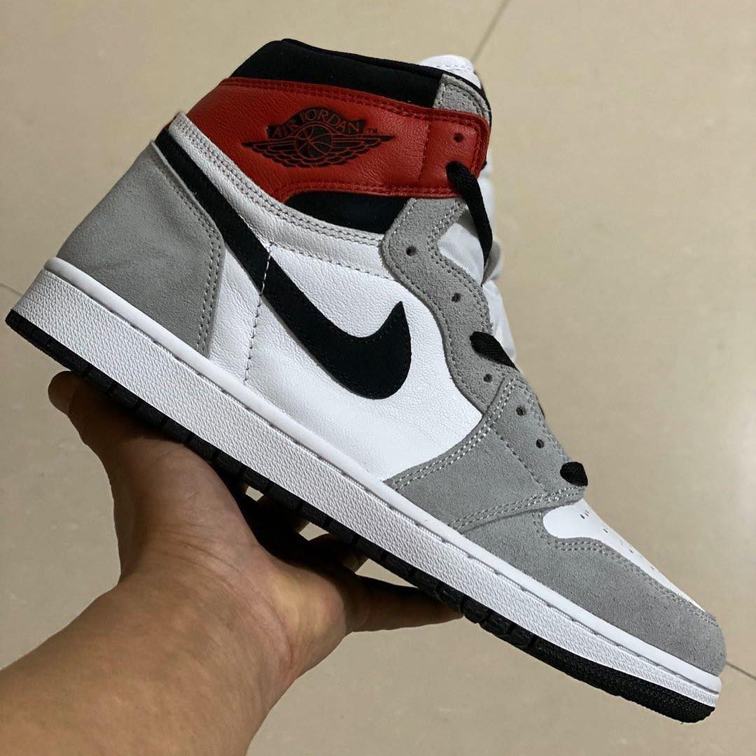 "Air Jordan 1 High ""Light Smoke Grey"""