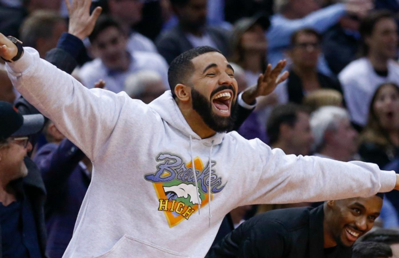 Drake esulta in campo