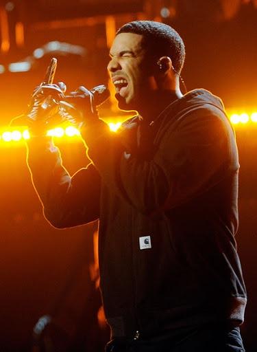 Drake indossa Carhartt