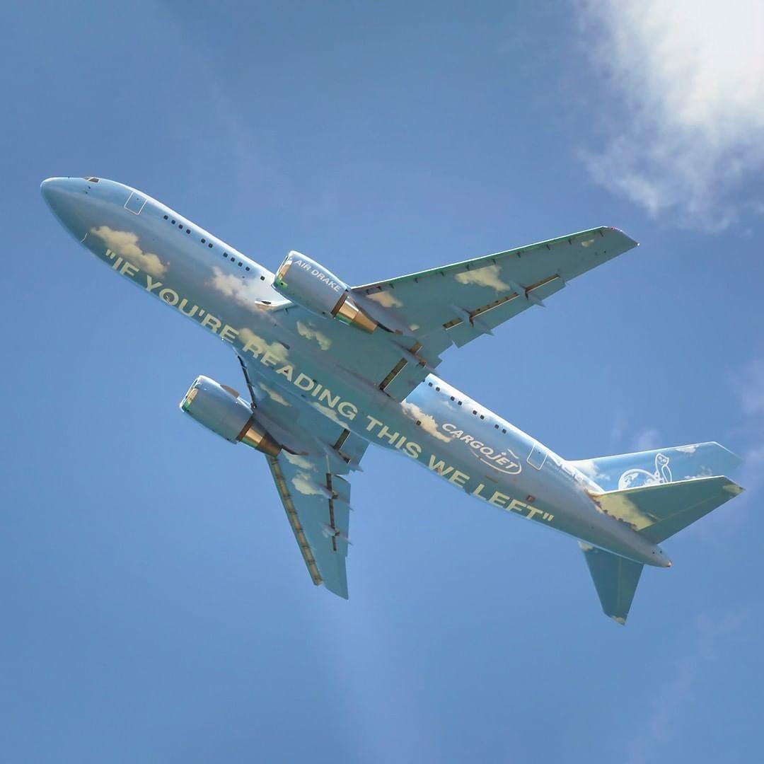 Aereo Boeing 767 Drake Virgil Abloh