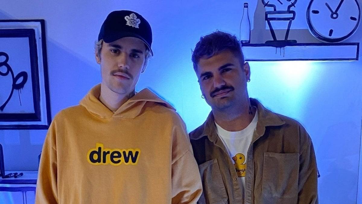 Gianpiero D Alessandro e Justin Bieber indossano Drew House