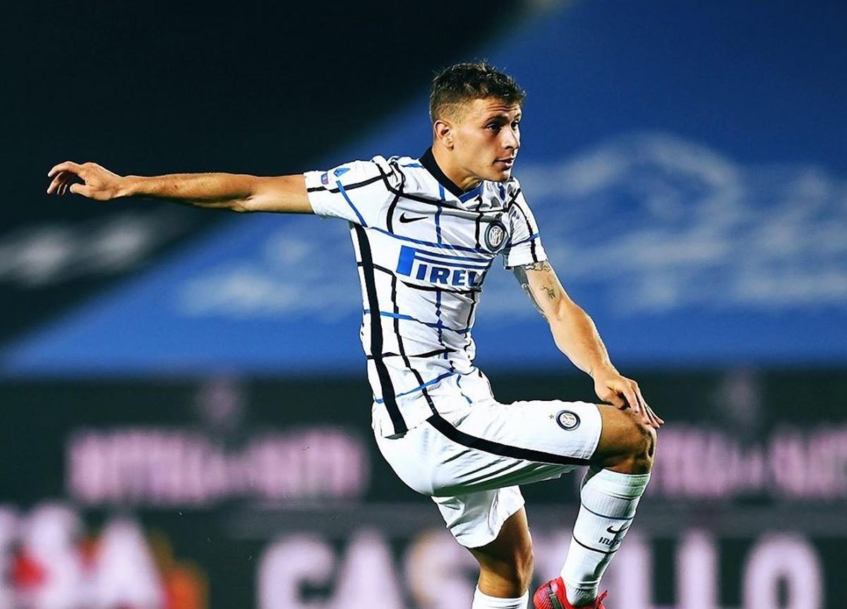 Nicolò Barella indossa Kit Away Inter 2020/2021