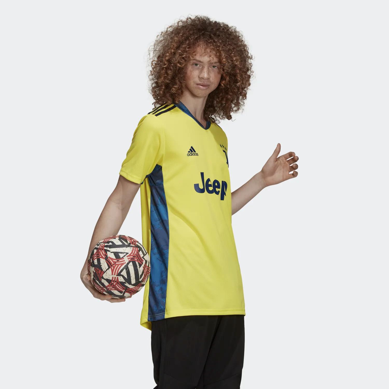 Juventus Home Kit 2020/2021 maglia da portiere gialla con dettagli blu