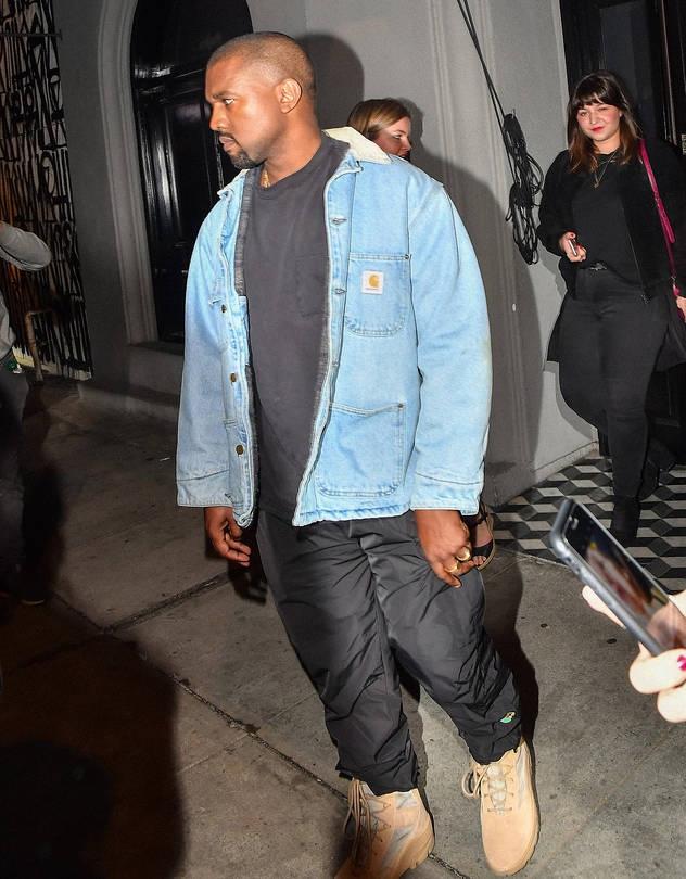 Kanye West indossa Carhartt