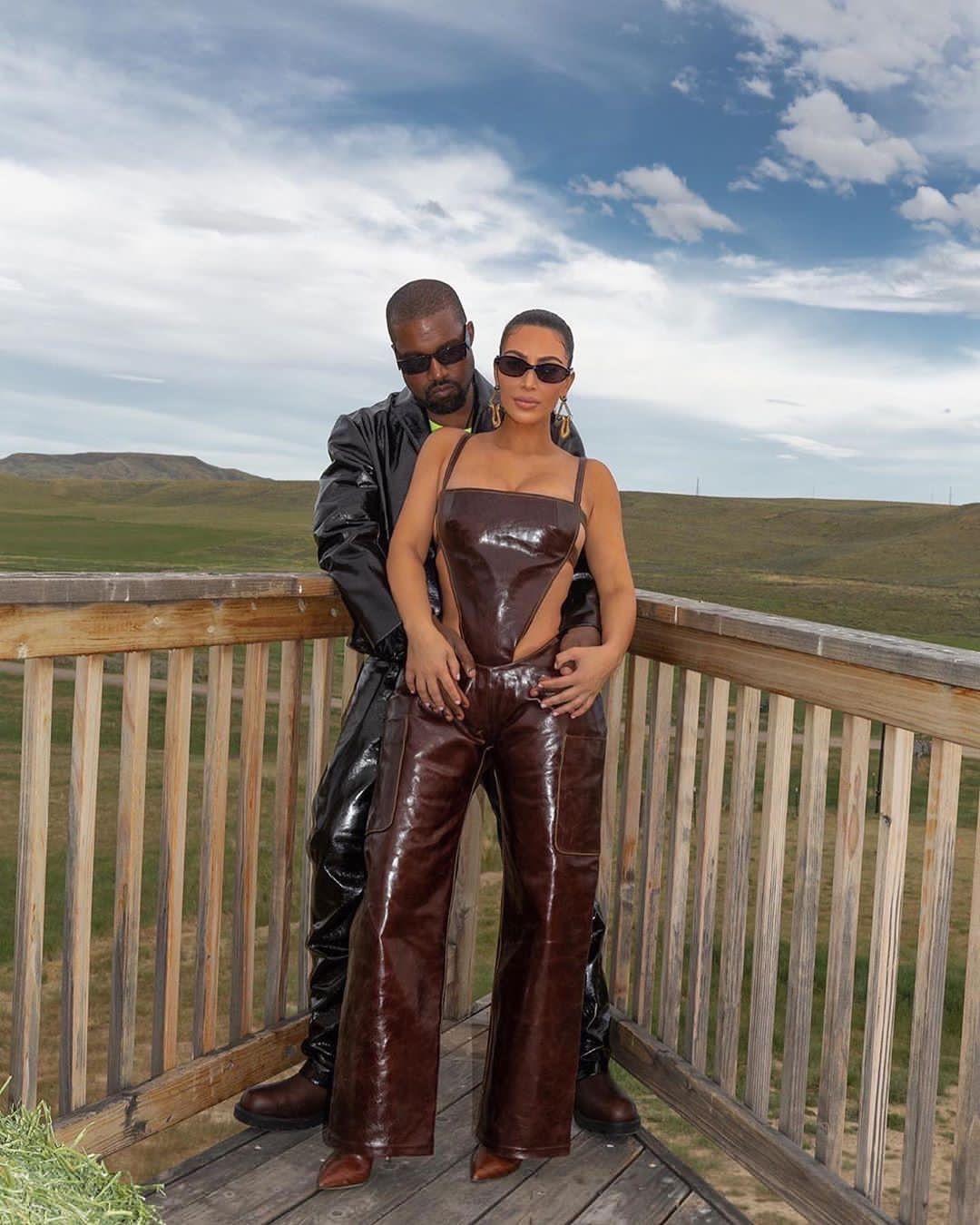 Kanye West abbraccia Kim Kardashian in Wyoming