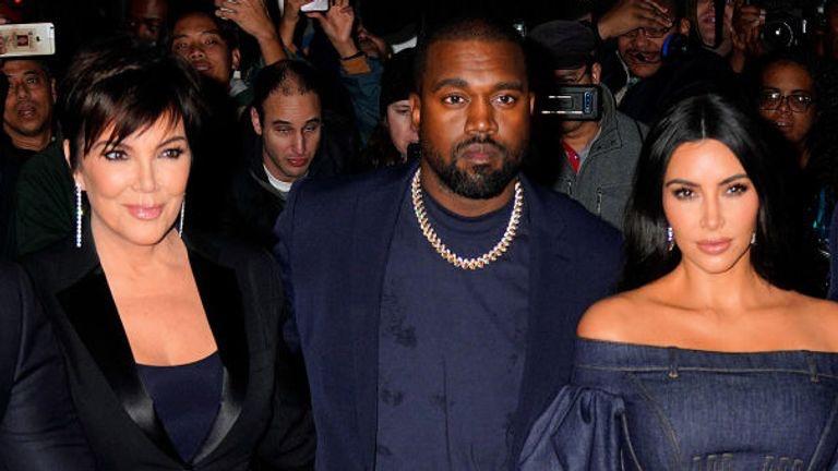 Kanye West insieme a Kim Kardashian e Kris Jenner