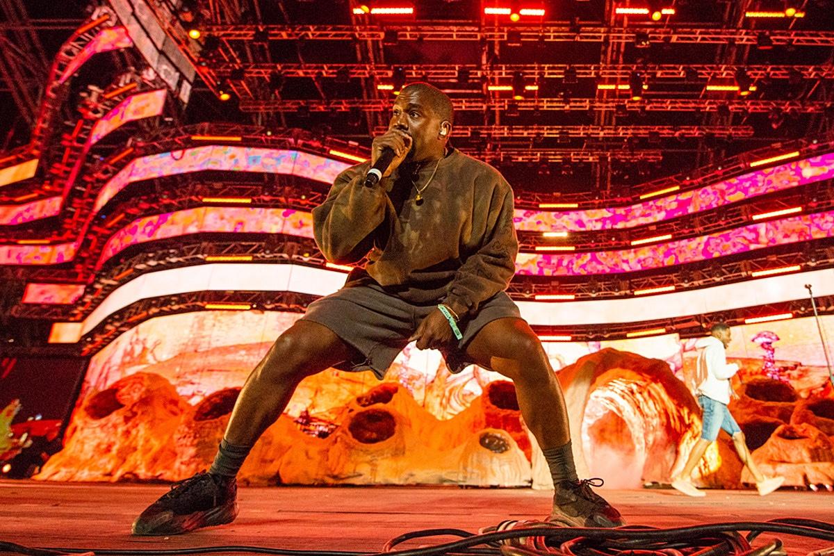Kanye West concerto con adidas YEEZY