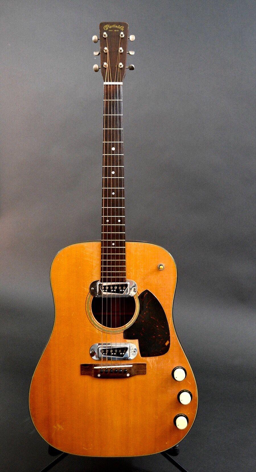 Kur Cobain chitarra acustica Martin D-18E