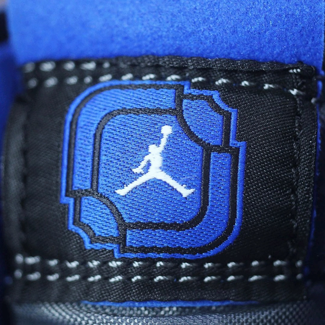 League of Legends x Air Jordan 1 High Zoom Comfort  branding