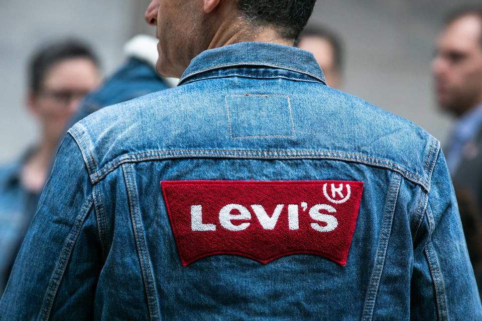 "Levi's ""Second Hand"""