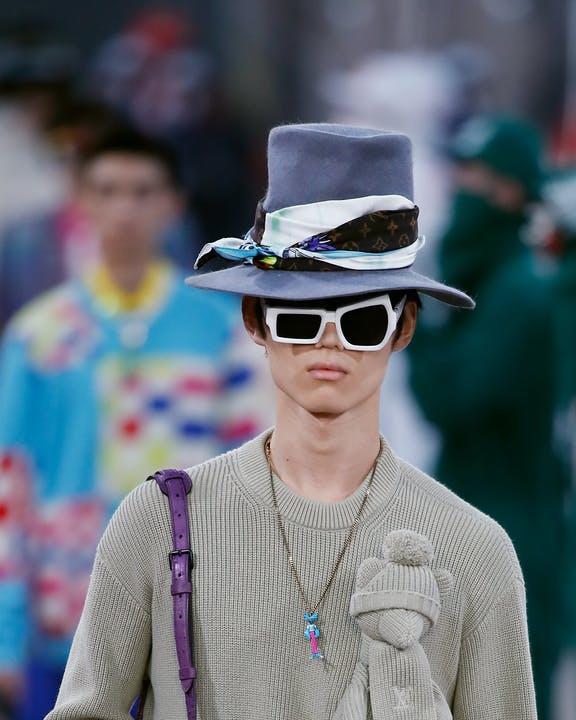Dettaglio Cappello e Occhiali LV SS 2021