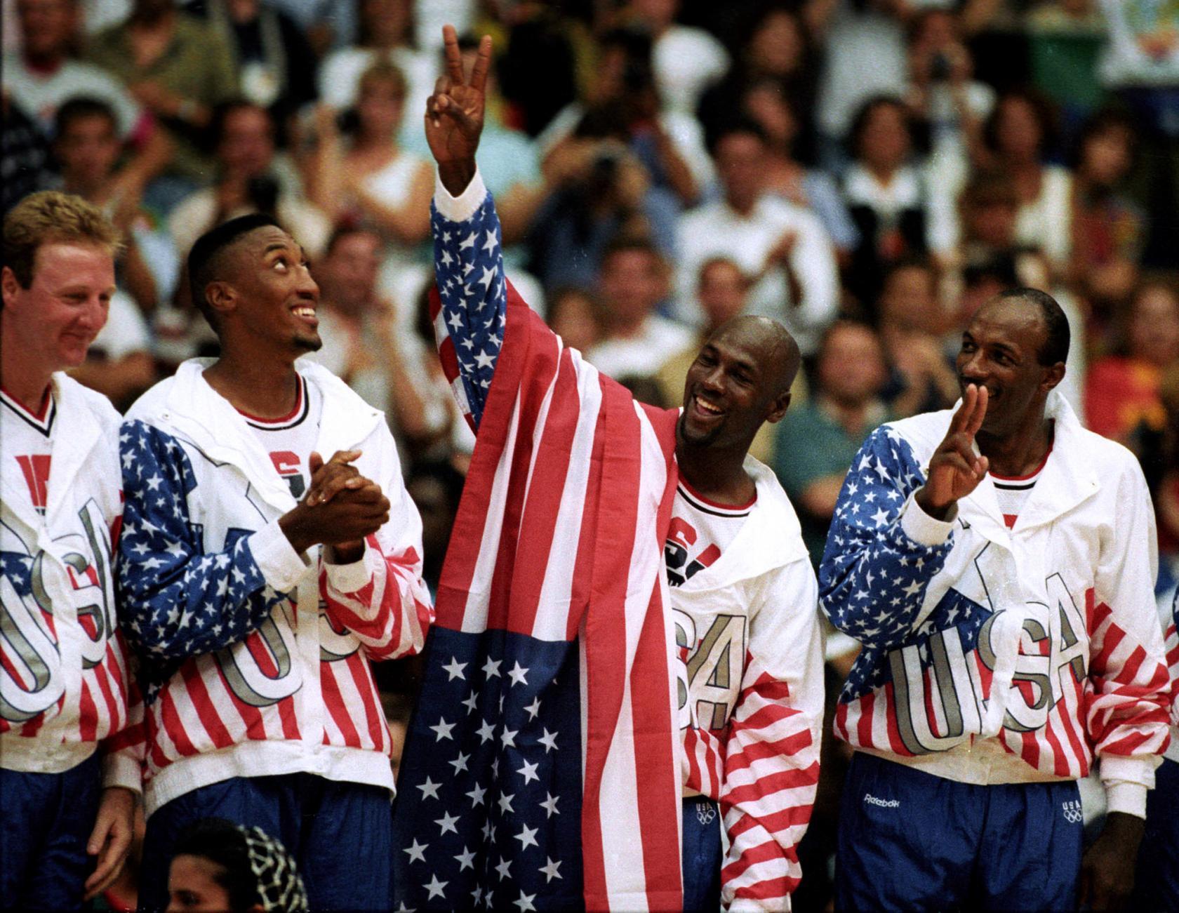 Michael Jordan nasconde logo Reebok olimpiadi 1992