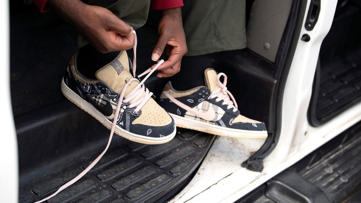 Travis Scott x Nike Dunk Low