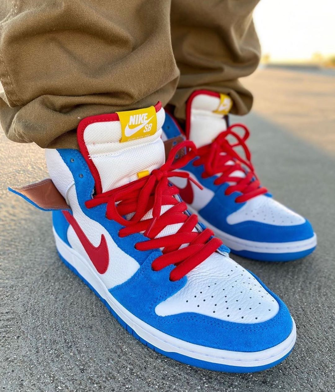 Nike SB Dunk High Doraemon blue e bianche