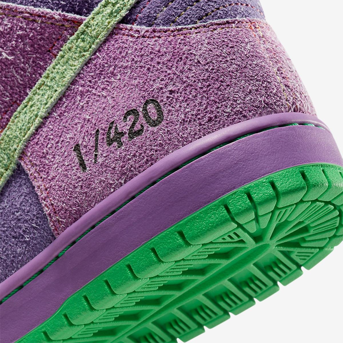 "Nike SB Dunk Low ""420"" Skunk-Reverse"