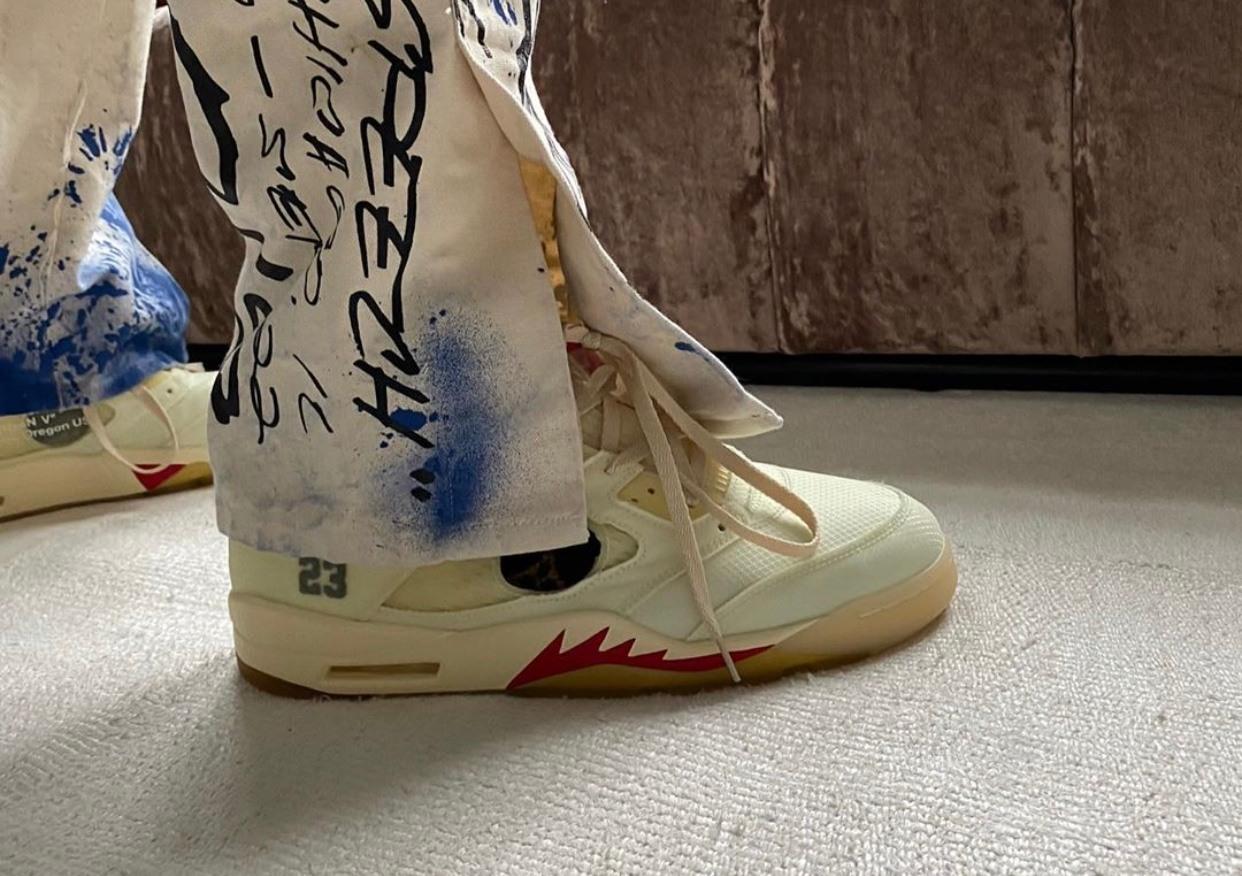 Off-White x Air Jordan 5 Sail Outfit