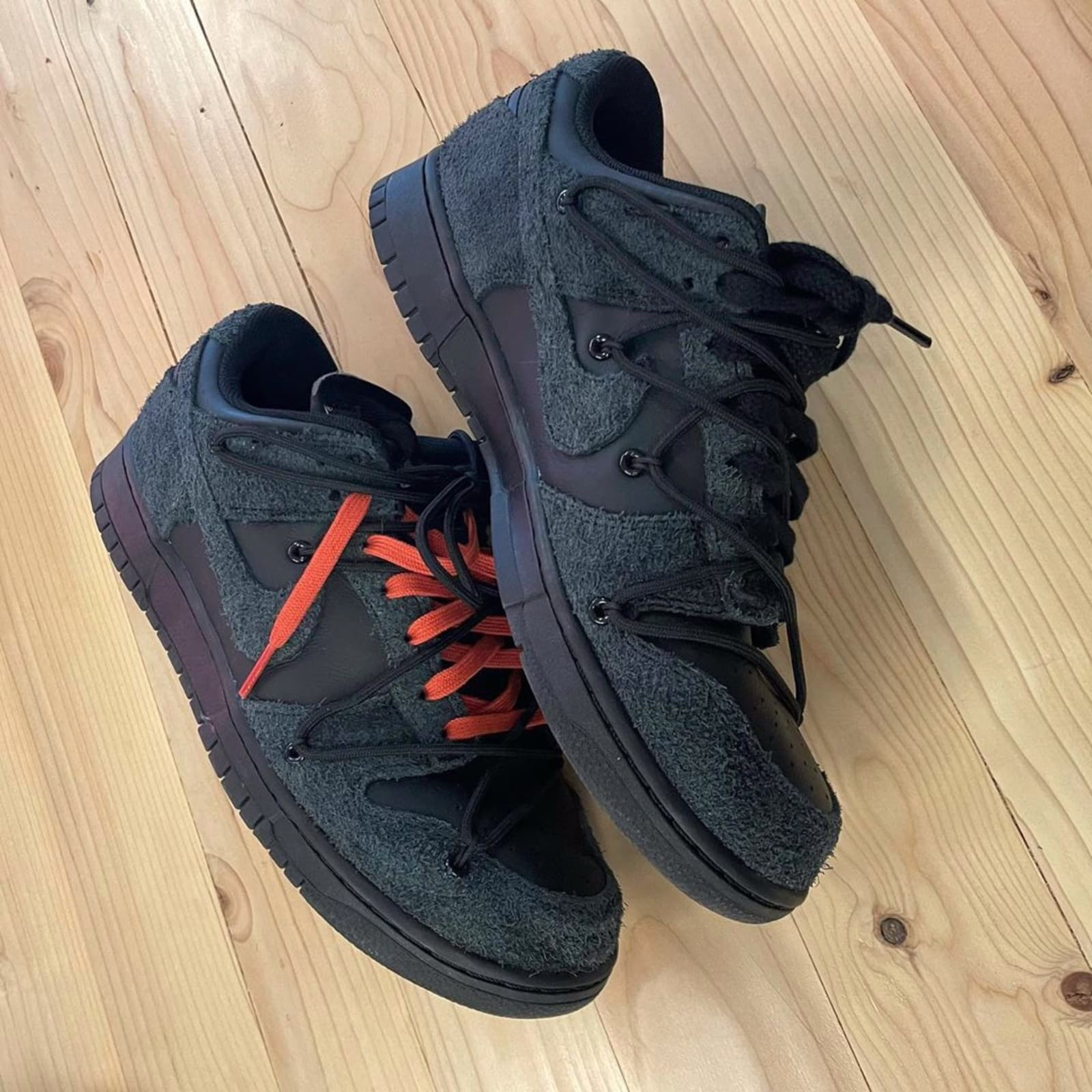 Off-White x Nike Dunk Low black