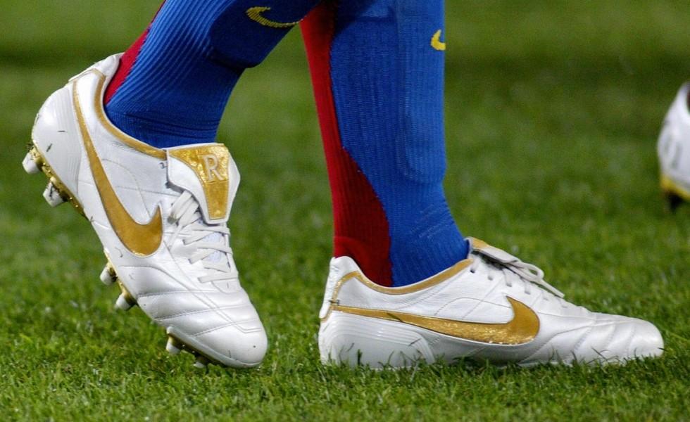 Ronaldinho Nike Tiempo scarpini