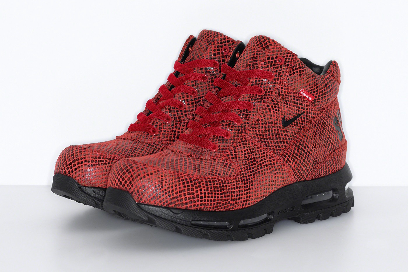 Supreme x Nike Air Max Goadome Boots red