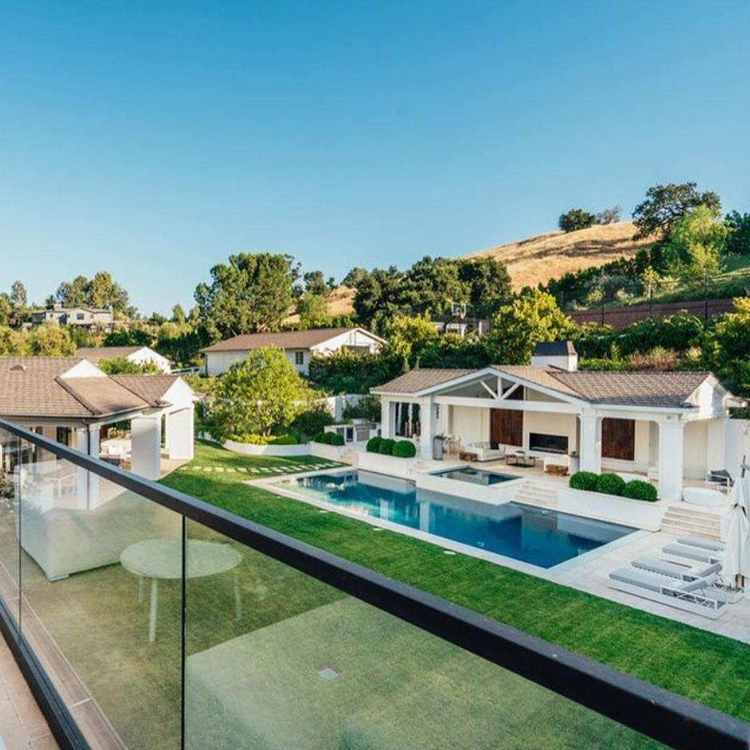 The Weeknd vende la casa a Hidden Hills
