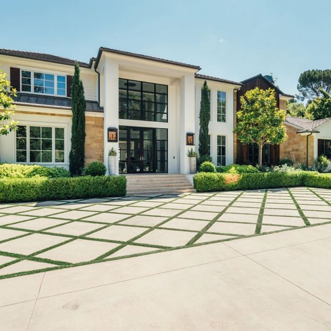 The Weeknd vende la casa a $25 milioni