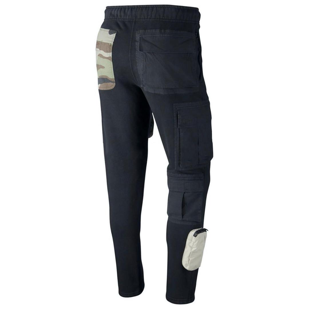 Travis Scott Nike Pant Tasche