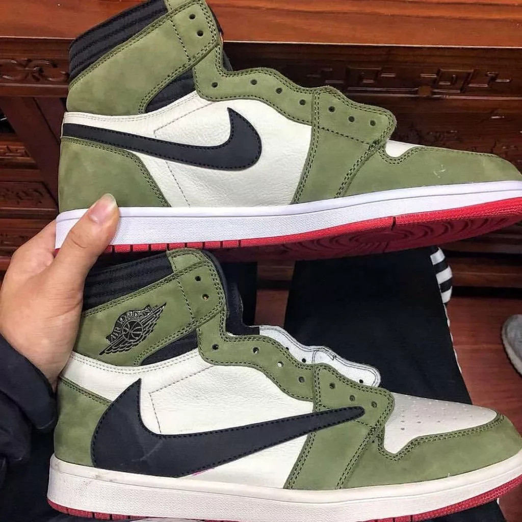 Travis Scott x Air Jordan 1 High Reverse Swoosh Green