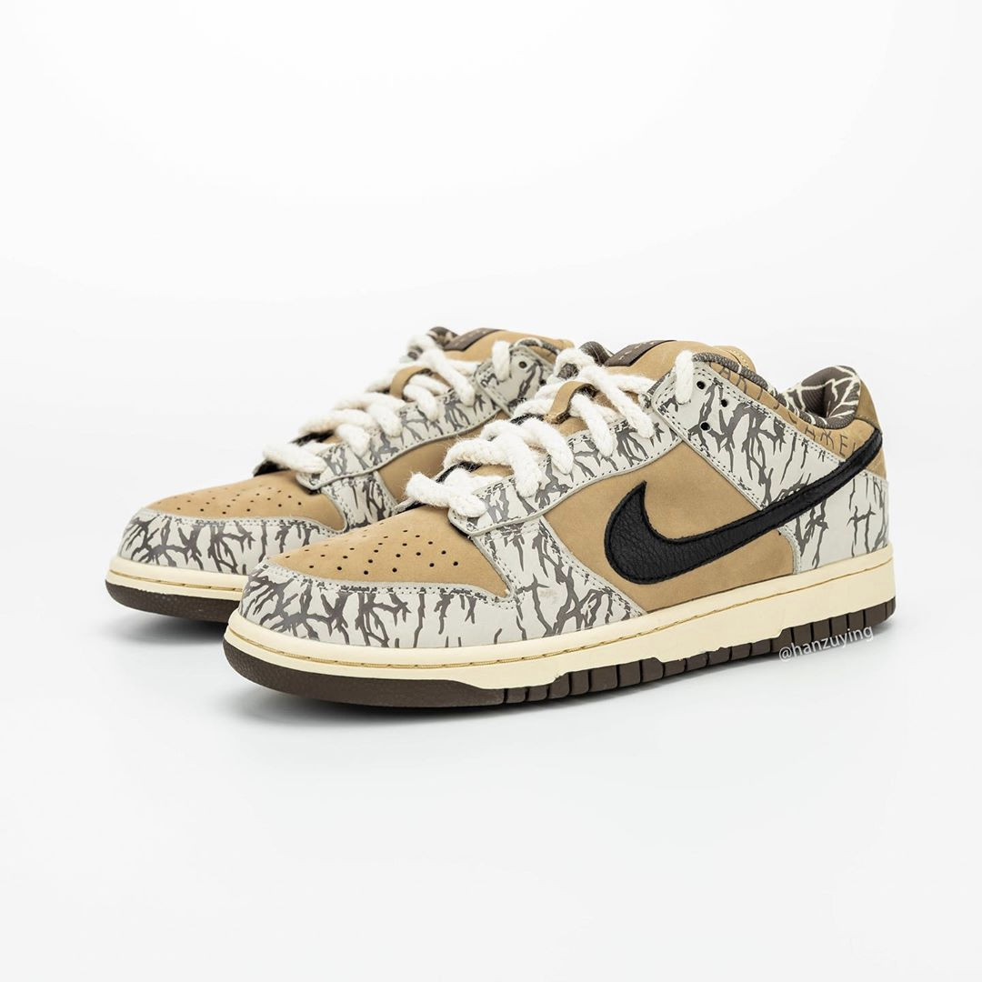 Travis Scott x Nike SB Dunk Low sample