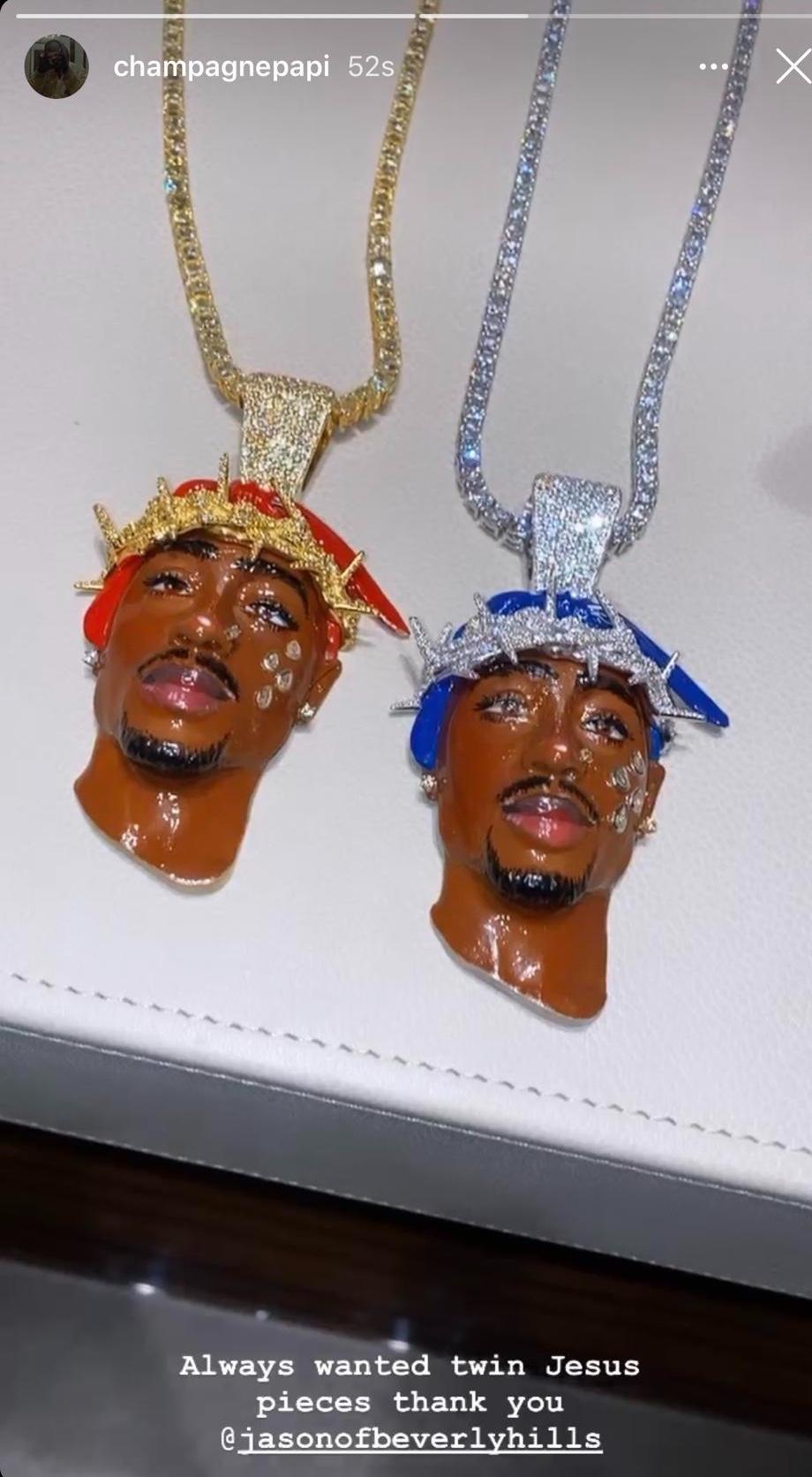 Collane di Drake in omaggio a Tupac