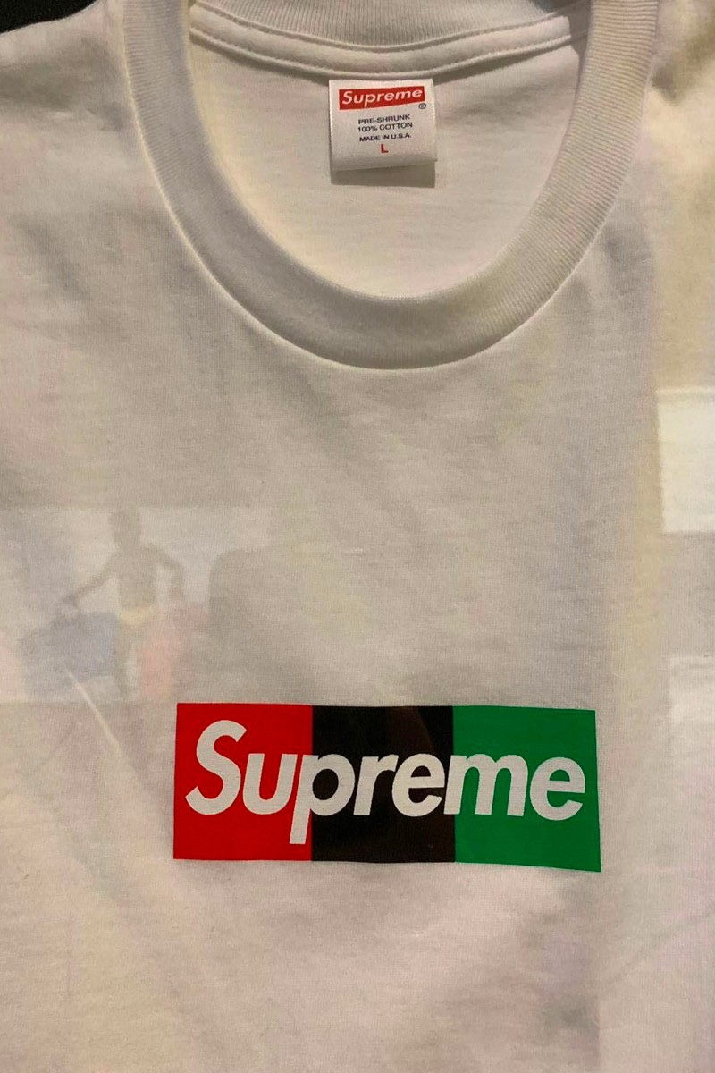 Virgil Abloh x Supreme MCA Box Logo T-Shirt dettaglio box logo