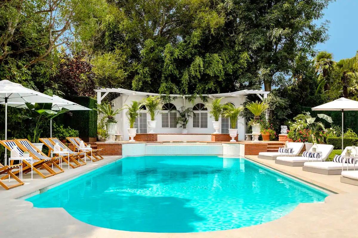"""""""Willy, il Principe di Bel Air"""" villa piscina"""