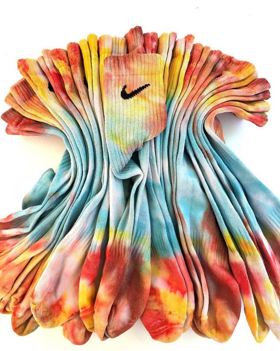 Detectable Deviazione atomico  TIE-DYE MANIA: Come personalizzare il classico calzino Nike - SOLDOUTSERVICE
