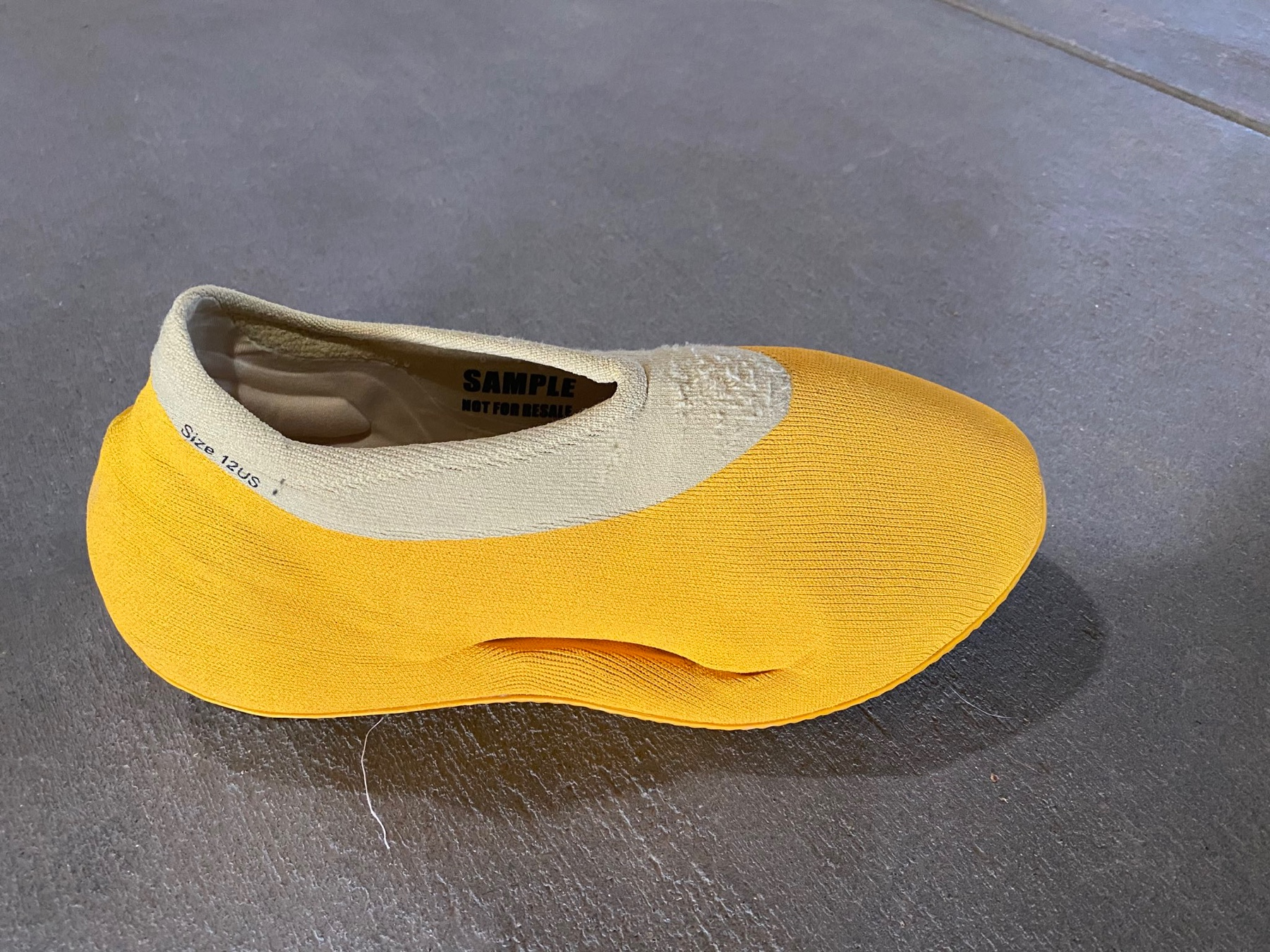 YEEZY Clog yellow