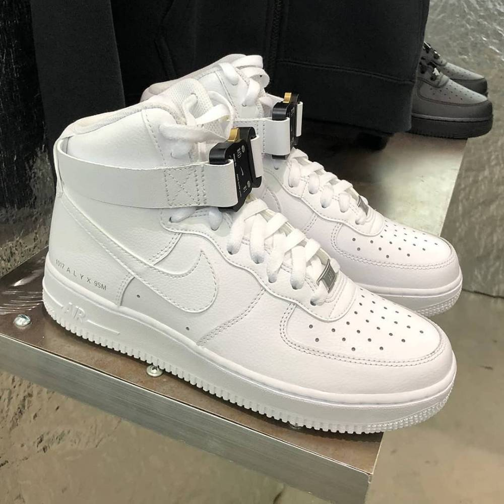 Anteprima delle Alyx X Nike Air Force 1 Sneaker Narcos