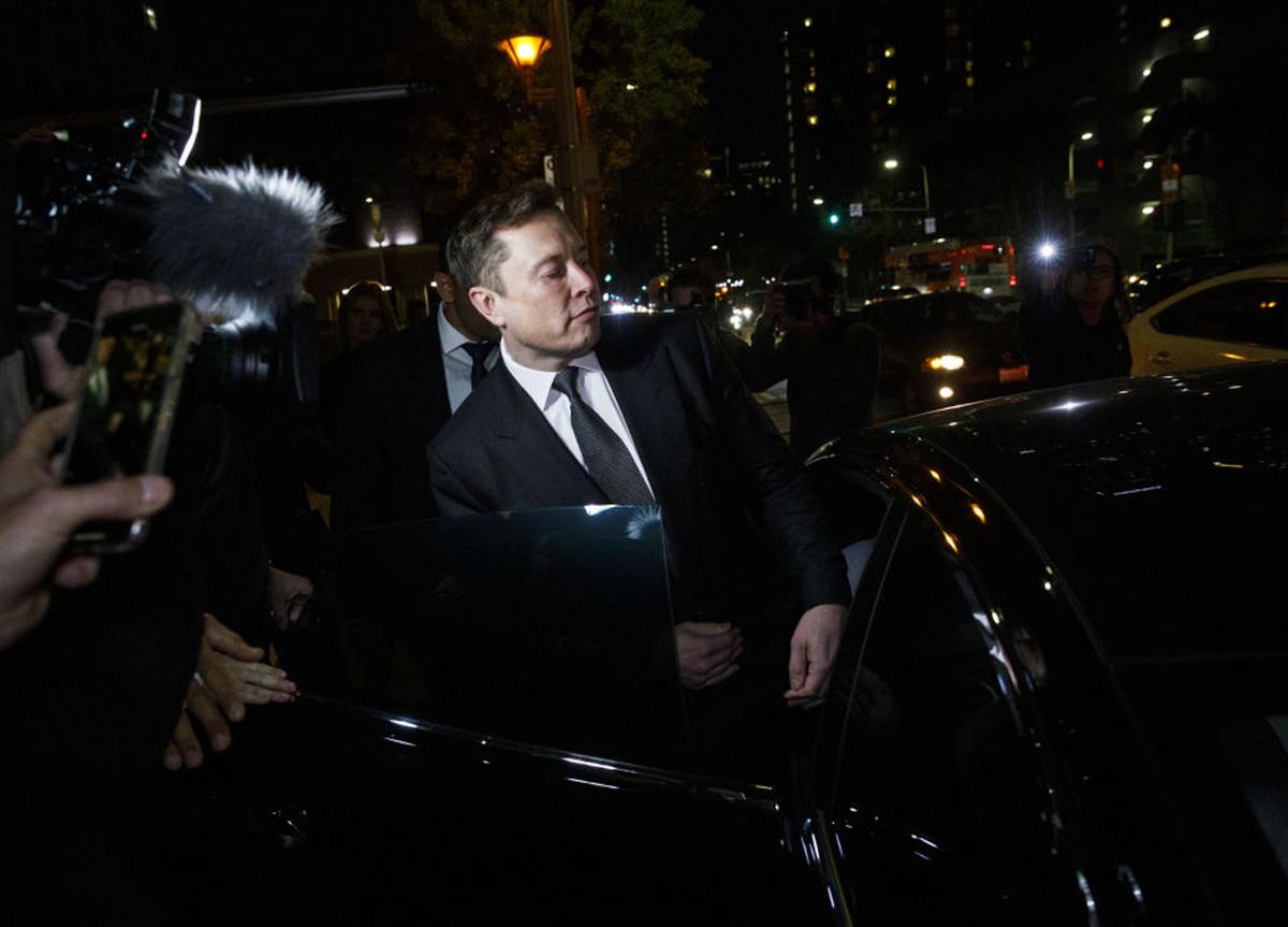 Elon Musk vende tutte le sue case