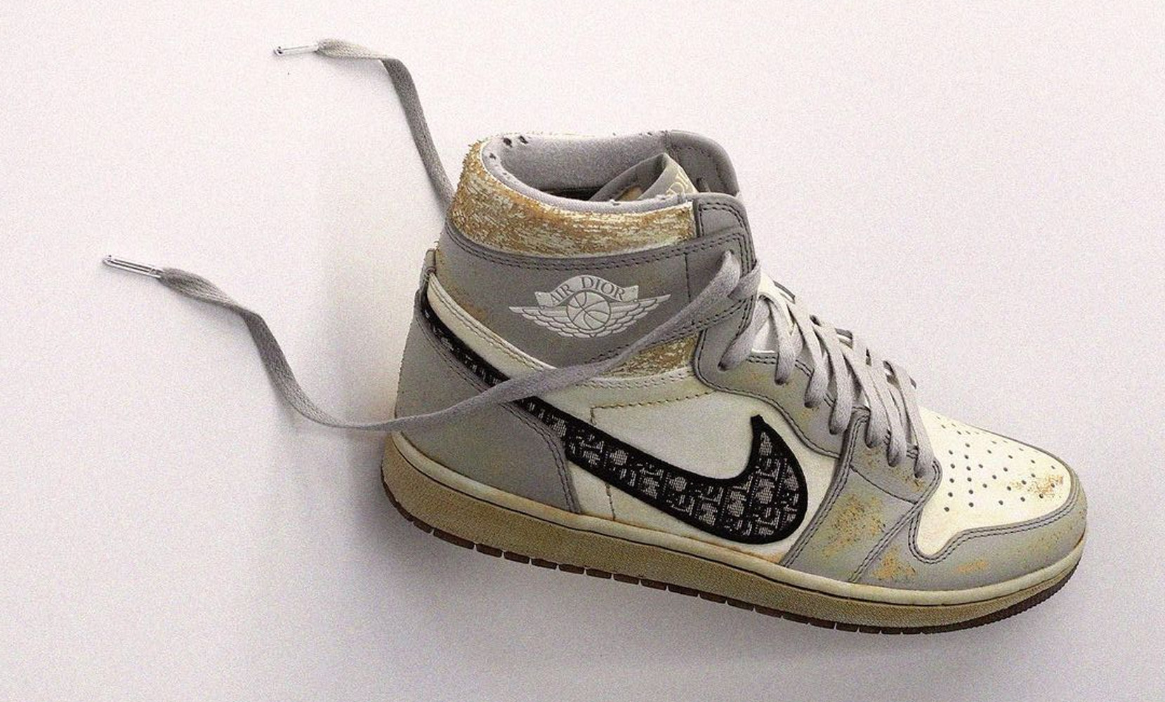 "Dior x Air Jordan 1 Daniel Arsham ""aging process"""
