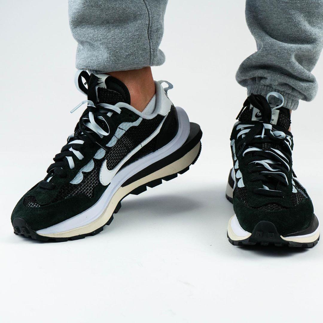sacai x Nike Pegasus VaporFly SP Black silhouette