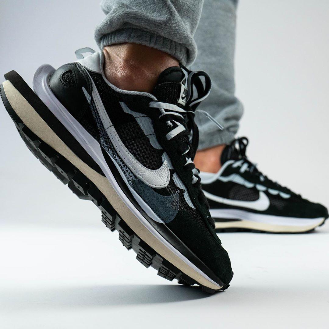 sacai x Nike Pegasus VaporFly SP Black side