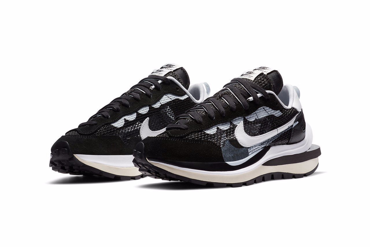 "sacai x Nike Vaporwaffle ""Black/White"""