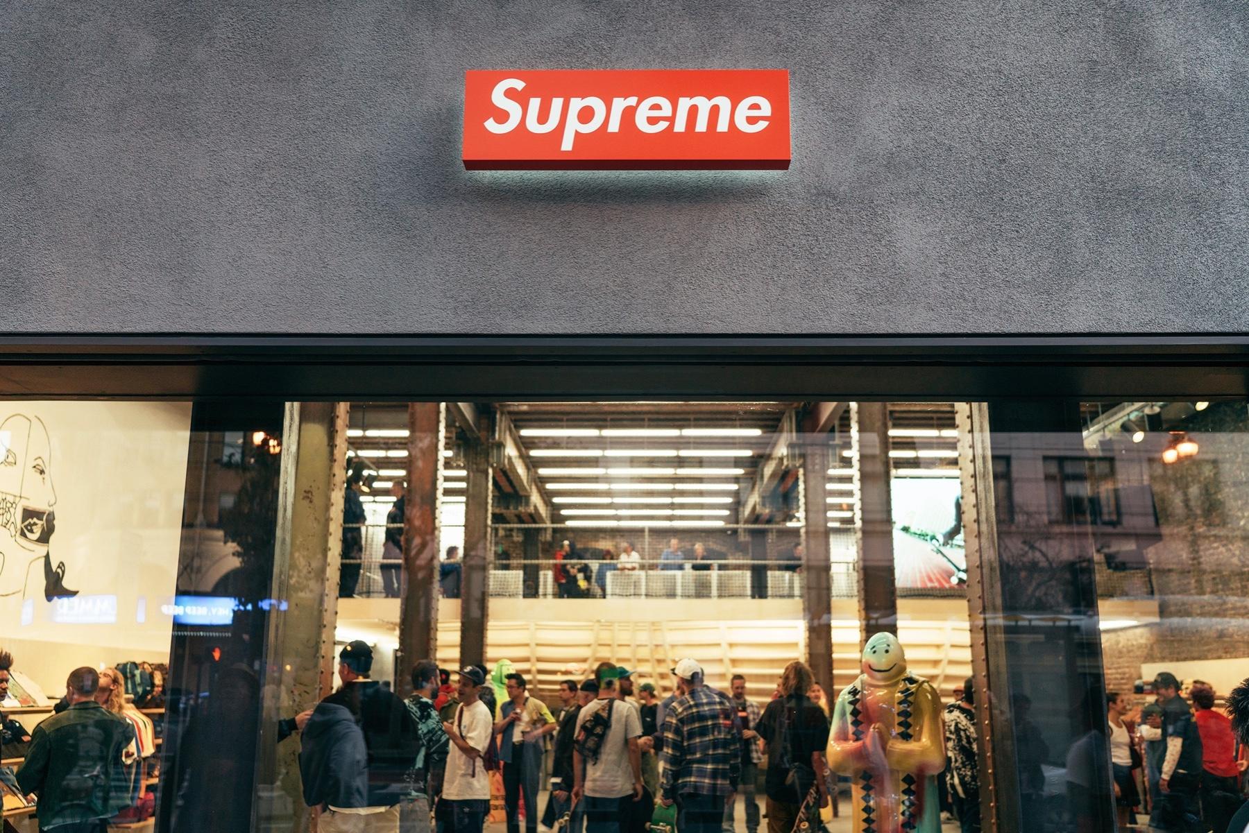 supreme store queue